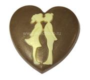 Сердце с влюбленной парой